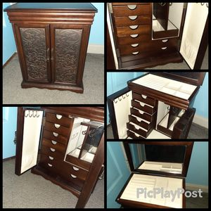 Jelewry Box for Sale in Cleveland, OH