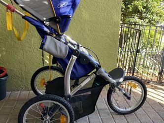 Reebok Running Stroller for Sale in Boynton Beach,  FL