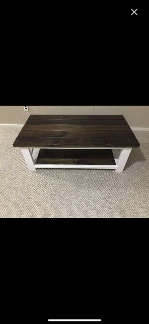 Farmhouse style coffee table for Sale in Chillicothe, IL