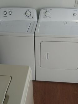 Beautiful Amana Washer And Dryer Set Comes With A Complete 30 Day Warranty for Sale in Vancouver,  WA