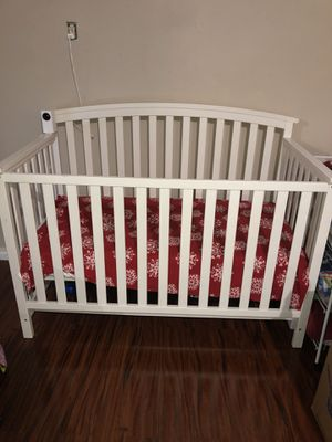 Crib for baby for Sale in Victorville, CA