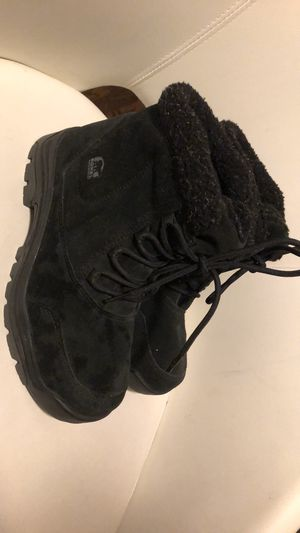 Sorel woman boots size 8 for Sale in Sacramento, CA
