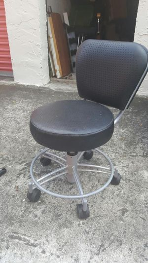 Pedicure stool for Sale in Jacksonville, FL