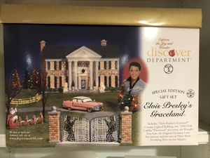 """Department 56 Special Edition Gift Set """"Elvis Presley's Graceland """" for Sale in Murfreesboro, TN"""