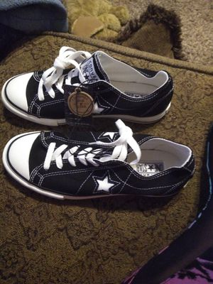 $25 Brand New sz 8 Converse for Sale in Broken Arrow, OK