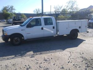 2003 Ford F350 6.0 Powerstroke Turbo Diesel 200k miles runs and drives!! NEEDS WORK for Sale in Temple Hills, MD