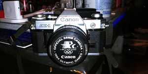 Canon AE-1 Program 35mm (Silver) (Camera) (Vintage) (Film) for Sale in Summerville, SC