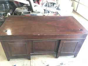 Desk for Sale in New Lenox, IL