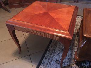 Ethan Allen End Table for Sale in Fair Oaks, CA