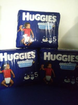 3 pack of huggies overnites size 5 for Sale in Dearborn, MI
