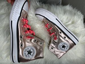 Convers size 11 rose gold $15 new for Sale in Tempe, AZ