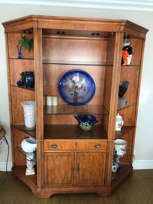 Solid Wood 3 Piece Wall Unit. Nine Adjustable shelves. Perfect for TV, Pictures, Decorator items. for Sale in MONARCH BAY, CA