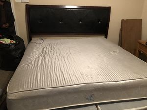 Full size bed with frames for Sale in Arlington, TX