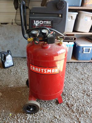 1.5 hp vertical 20 gallon direct drive oil free craftsman compressor with 50 ft of hose on steel air hose real like new for Sale in McMinnville, OR