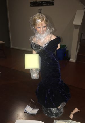 Princess Diana porcelain Doll 1986 for Sale in Clifton, VA