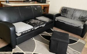 Couch and love seat for Sale in Statesboro, GA