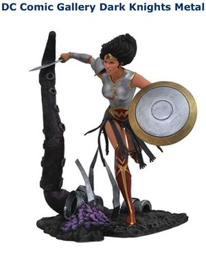 DC Comic Wonder Woman Statue Collectible for Sale in Long Beach, CA