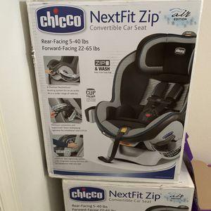 Chico NextFit ZIP ain't edition car seats for Sale in Grand Prairie, TX