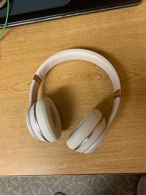 Beats Solo 3 wireless for Sale in Kent, OH