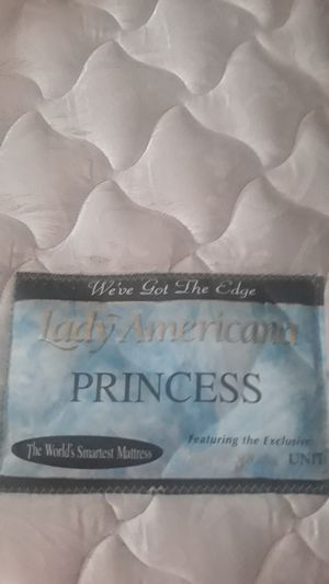 Queen Mattress plus Box Spring Lady Americana for Sale in Palm Springs, CA