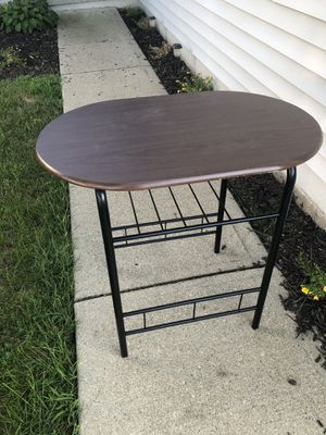 Small Computer desk for Sale in Columbus, OH