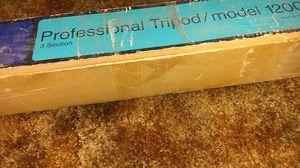 Tripod model 1200 for Sale in Rialto, CA