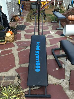 Total gym 1000! Good shape, works perfectly! for Sale in Levittown, PA