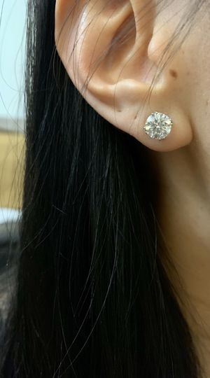 💥 💎💎 BEAUTIFUL 3 Carats Total Auth Diamond IGI Earrings for Sale in Roseville, CA