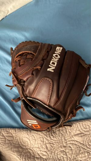 Nokona baseball glove left handed throw for Sale in Plymouth Meeting, PA