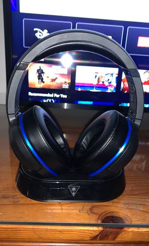 Turtle beach wireless headphones w charging hub for Sale in Virginia Beach, VA