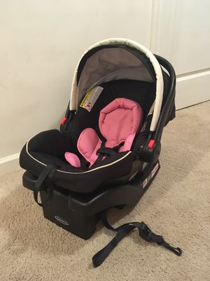 Baby girl car seat Graco $35 firm!! for Sale in Lexington, NC
