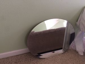 Free oval mirror for pickup for Sale in Festus, MO