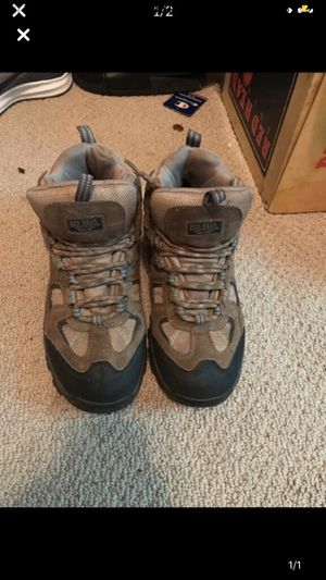 Water proof work boots for Sale in Camden, NJ