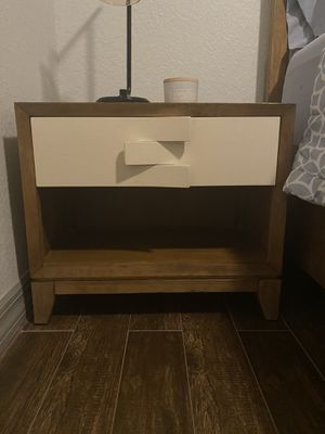 Set of 2 Modern Style nightstands for Sale in Oldsmar, FL