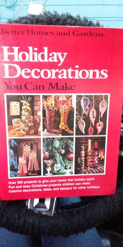 Better Homes And Garden Christmas Decoration Book Published 1974 for Sale in Madison Heights,  VA