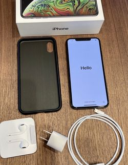 iPhone XS Max 256GB Unlocked - Space Grey with Case. Battery 87% for Sale in Wheaton,  IL