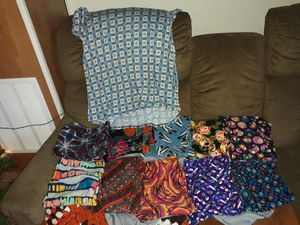 Tc lularoe leggings and large classic tshirt for Sale in Martinsburg, WV