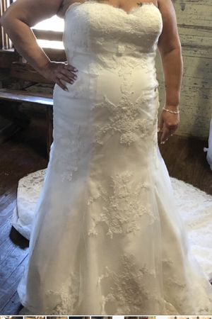 Beautiful size 22 wedding wore once for Sale in Temple, TX