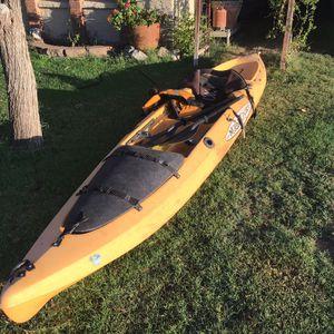 Malibu extreme 15 foot, fishing, ocean, ( NO LEAKS ) Gel seat, lifevest, paddles for Sale in Mesa, AZ