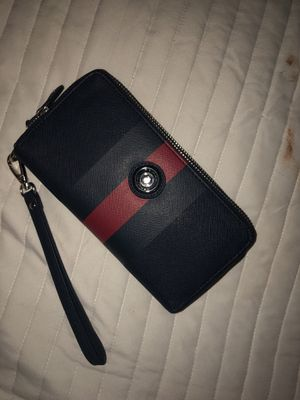 Tommy Hilfiger wallet for Sale in Rancho Palo Chino, MX