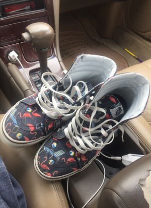 Stylish vans size 10 for Sale in Oxon Hill, MD