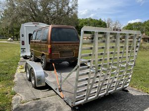 All aluminum 18 foot flat bed car hauler dual Axel like new! for Sale in Tampa, FL