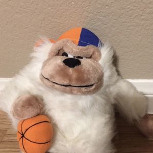 BASKETBALL 🏀 MONKEY 🐒 PLUSH TOY for Sale in Sloan, NV