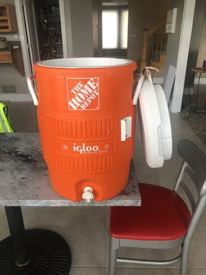 5 gal igloo drinking cooler for Sale in Orland Park, IL