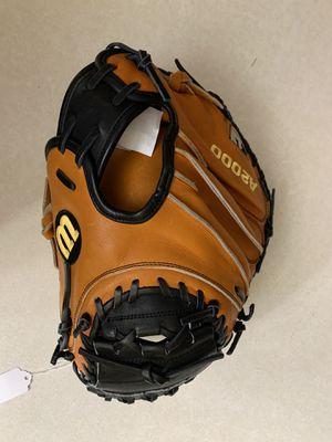 "Wilson A2000 32.5"" Catcher's Mitt: A20RB17PUDGE for Sale in Phoenix, AZ"
