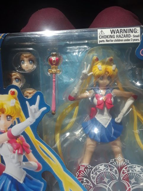 Sailor moon crystal figure