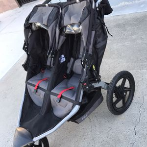 Double BOB Stroller for Sale in Buena Park, CA