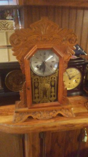 Antique clock for Sale in Louisville, KY