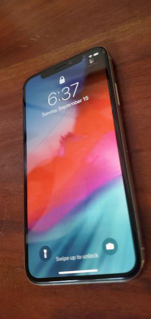 Apple iPhone X (10) 256Gb crack screen A1901 for Sale in Cumming, GA