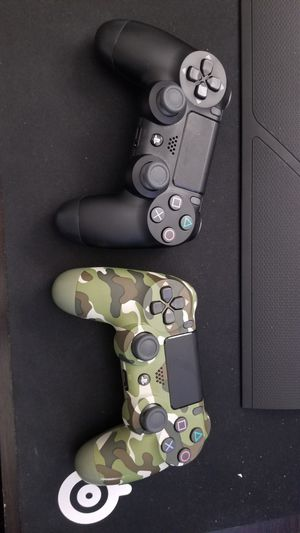 Dualshock 4 (Controllers) for Sale in Germantown, MD